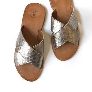 Frye silver Ally Criss Cross slide sandal • New